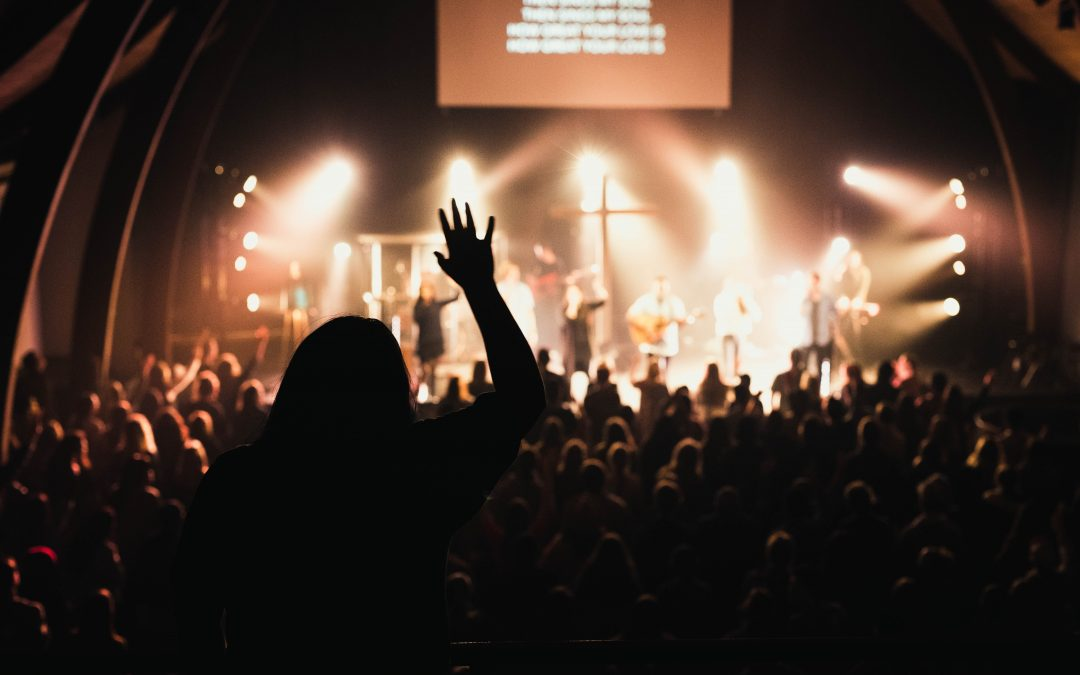 Evangelical Worship is Stuck – 4 Problems & 7 Ideas to Fix